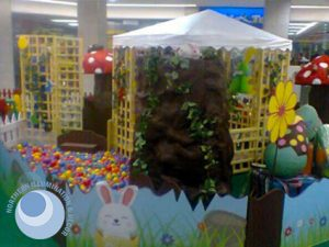 Static Easter display for shopping centres